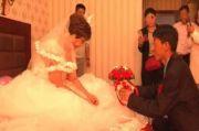 Seorang Suami Kaget Lihat Istrinya Nikahi Pria Lain dan Disiarkan Langsung