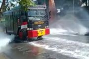 Basmi Corona di Kudus, Polisi Sterilkan Jalan Protokol dengan Disinfektan