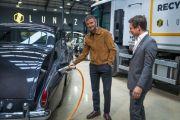 Saingi Elon Musk, David Beckham Beli Perusahaan Mobil Listrik Ternama Inggris