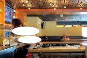 Seorang Wanita Telanjang Mengamuk di Bar, Dilumpuhkan Polisi dengan Pistol Setrum