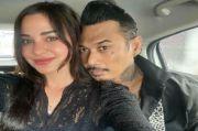 Bebas dari Penjara, Jerinx SID Unggah Foto Super Romantis dengan Nora Alexandra
