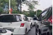 Sistem Online BTS Meal Ditutup, Antrean Kendaraan Mengular di McD Depan Kantor Wali Kota Jakbar