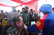 Tinjau Vaksinasi Lansia di Jawa Timur, Panglima TNI: Tetap Disiplin Prokes