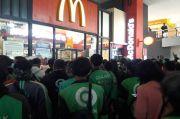 Ojol Berkerumun di McDonalds, Warganet Singgung Proses Hukum yang Dijalani Habib Rizieq