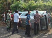 Cium Tebing Blitar Selatan, Mobil Pusling Pembawa Vaksin COVID-19 Terguling