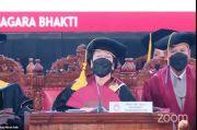 Tutup Orasi Ilmiah Pengukuhan Profesor Kehormatan, Megawati Terisak