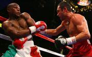 Oscar De La Hoya Tantang Mayweather Demi Pelampiasan Dendam Lama