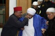 Kisah Preman Kejam Tanjung Priok yang Bertobat setelah Didatangi Habib Munzir dan Cium Tangan