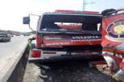 2 Petugas Pemadam Kebakaran Pekanbaru Terluka Usai 2 Mobil Damkarnya Tabrakan