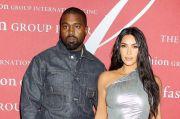 Pacaran dengan Irina Shayk, Kanye West Unfollow Kim Kardashian