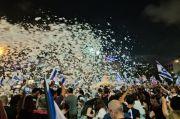 Ribuan Warga Israel Turun ke Jalan Rayakan Lengsernya PM Netanyahu
