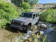Cegah Kaca Pecah saat Offroad, Jeep Wrangler dan Gladiator Gunakan Gorilla Glass