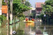 BPBD: Pondok Hijau Permai Bekasi Masih Terendam 1 Meter