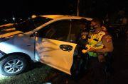 Diduga Mesum di Mobil, Pasangan Ini Tancap Gas Pas Lihat Polisi lalu Tabrak Pohon