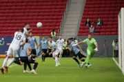 Assist Messi Bikin Argentina Ungguli Uruguay di Babak Pertama