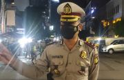 Puluhan Petugas Jaga Penyekatan 10 Titik Jakarta