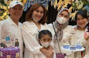 Kado Kalung Ayu Ting Ting dari sang Ibu Disebut Netizen Mirip Punya Nagita Slavina
