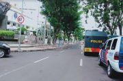Digeruduk Warga Madura, Kawat Berduri serta Petugas Jaga Ketat Balai Kota dan Gubernuran