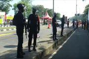 Pukul Mundur Pengendara yang Terobos Pos Penyekatan Suramadu, Pasukan Bersenjata Masih Bersiaga
