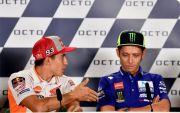 Marquez Bilang Jangan Paksa Valentino Rossi untuk Pensiun
