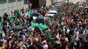 Demontran Palestina Tuntut Abbas Mundur setelah Aktivis Tewas Dipukuli