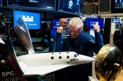Richard Branson Jadi Miliarder Pertama di Antariksa, Kalahkan Jeff Bezos