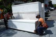 Sebulan 697 Warga Surabaya Meninggal Akibat COVID-19, Pembuat Peti Mati Kewalahan