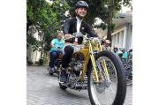 Begini Gaya Gubernur Jawa Tengah Ganjar Pranowo Naik Motor Custom