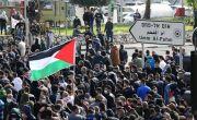 Warga Palestina di Israel Teriak Yerusalem Garis Merah saat Pawai Bendera