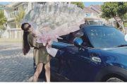 Anggie Jesey, Model dan Selebgram Cantik yang Hobi Otomotif