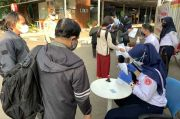Pengguna KRL Wajib Bawa STRP, Begini Suasana Stasiun Bekasi Pagi Ini