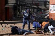 Kerusuhan dan Penjarahan di Afrika Selatan Meluas, 32 Orang Tewas