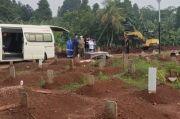 Penuh, TPU Bambu Apus Tambah Petak Makam untuk Jenazah Pasien Covid-19