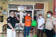 Kunjungi Warga Isoman, Kader Partai Berkarya Bagi Sembako