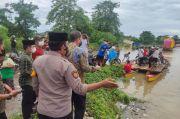 Amran Mahmud Tinjau Jalan Penghubung Wajo-Bone yang Terendam Banjir