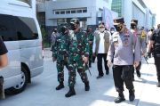 Tinjau Vaksinasi Massal, Panglima TNI dan Kapolri Tekankan Prokes