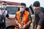 Kenakan Rompi Tahanan KPK, Bupati Muara Enim Nonaktif Juarsah Dipindah ke Rutan Palembang