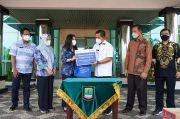 Peruri Salurkan Bantuan Sembako untuk Warga Karawang yang Jalani Isolasi Mandiri