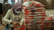 Sidak Bantuan PPKM di Gudang Bulog, Walkot Mojokerto Temukan Beras Berkutu