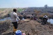 Sekat Kanal Bantu Pemadaman Kebakaran Lahan Gambut di Rokan Hilir