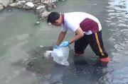 Bayi Laki-laki Imut Ditemukan Tewas Mengenaskan di Sungai, Tali Pusarnya Masih Menempel
