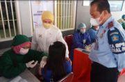 800 Warga Binaan Rutan Makassar Terima Vaksin dari Komisi IX DPR RI