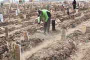 Sejumlah Makam Khusus Covid-19 di TPU Rorotan Cilincing Mendadak Ambles
