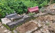 Ngeri! Puluhan Makam di Banyuwangi Mendadak Berantakan, Warga Tak Berani Mendekat