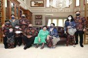 Jenazah Ibu Mertua SBY Disemayamkan di Condet