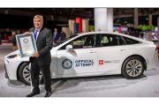 Toyota Mirai 2021 Catatkan Rekor Mobil Hybrid Paling Irit