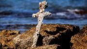 Penyelam Temukan Pedang Tentara Salib Berusia 900 Tahun di Lepas Pantai Israel