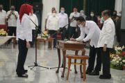 Jusuf Kalla Lantik Atalia Praratya Jadi Dewan Kehormatan PMI Jawa Barat