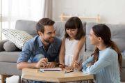 Ternyata Ada Manfaatnya Jika Anak-anak Diari Bahasa Ibu