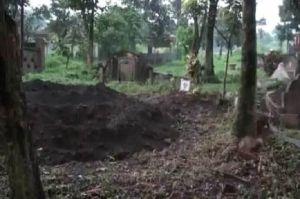 Hasil Tes Swab Negatif, 10 Makam Pasien COVID-19 di Bandung Dibongkar